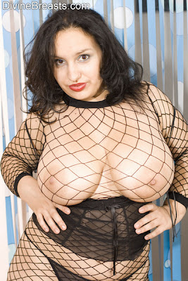 Molly_Fishnet_1