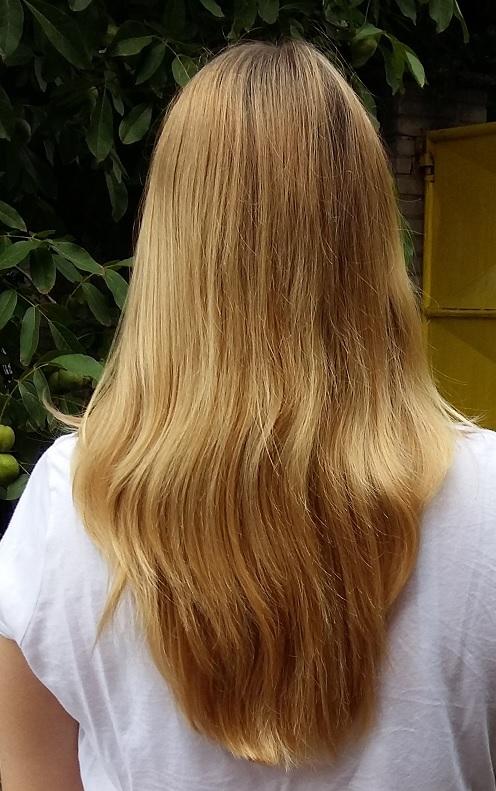vlasy zezadu