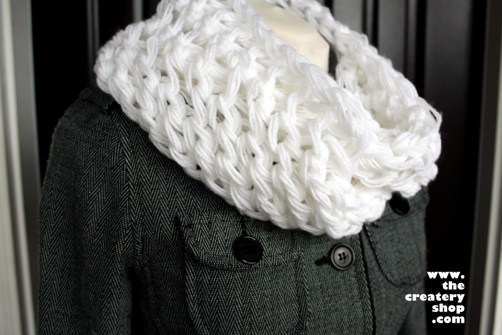 The Createry Shop: Quick and Easy Scarf To Knit Loopy Luxe Scarf