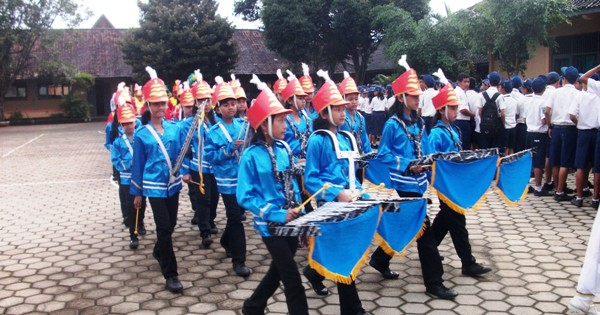 Marching Band SMPN 2 Girimarto