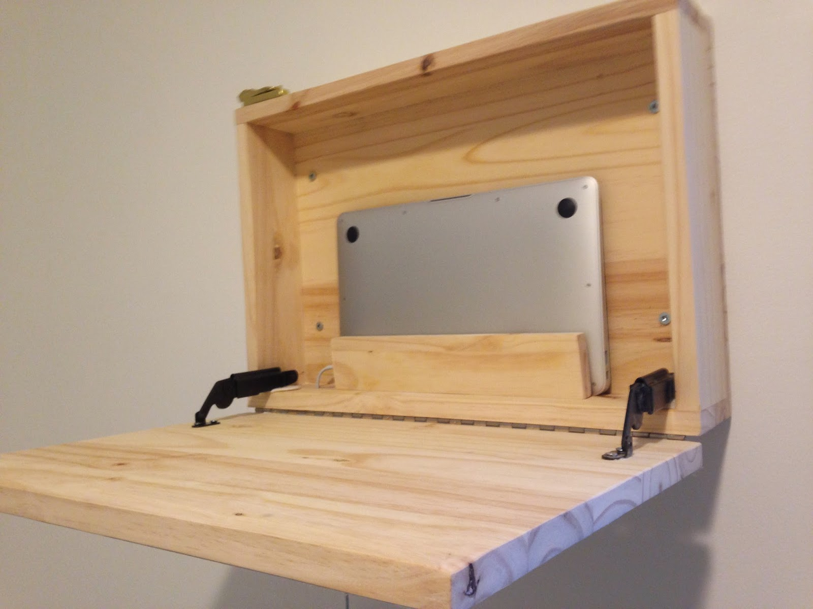 Bigge Idea: A cheap and attractive DIY standing desk option