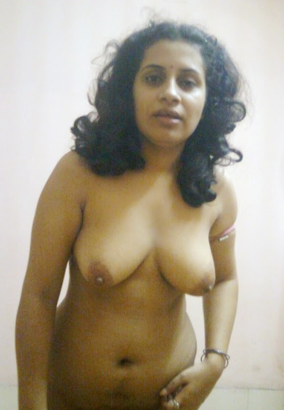 Kerala Aunty Nude Boobs Showing