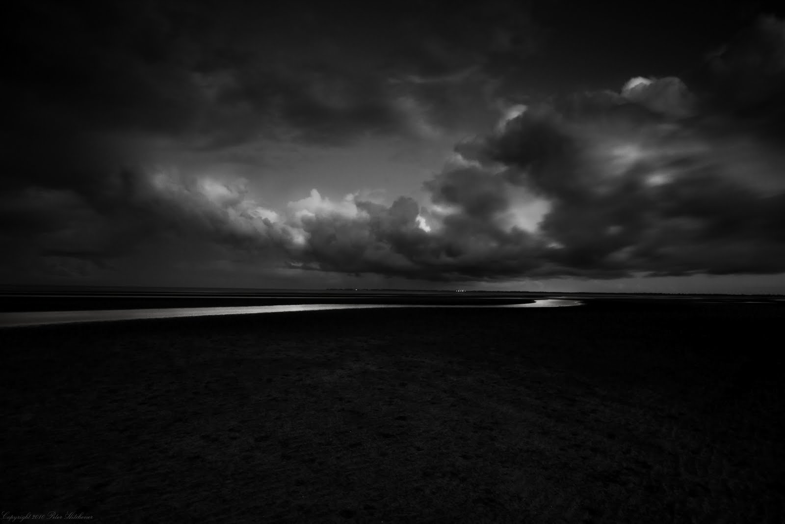 http://4.bp.blogspot.com/-op3FwCvNQ9s/TkW__Y6UKAI/AAAAAAAAATc/pLrdWZF8vQg/s1600/Dark+Soul+Cloudsjpg.jpg