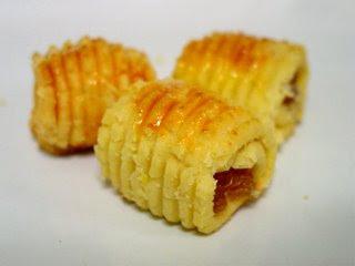 biskut raya akan berkongsi mengenai kuih tart gulung setiap raya pasti