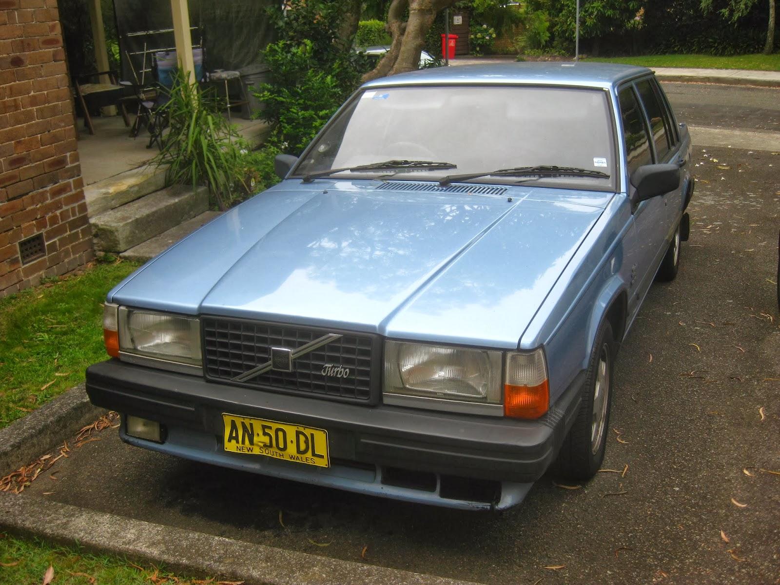 Aussie Old Parked Cars 1987 Volvo 740 Turbo Sedan