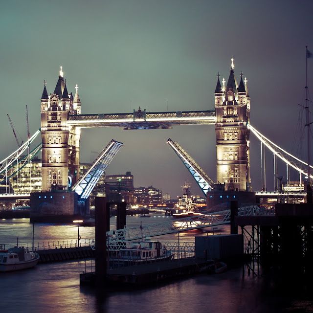 iPad Wallpaper - Tower Bridge Of London