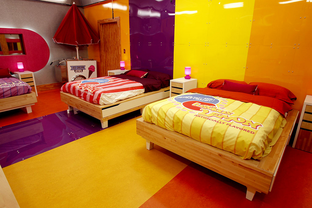 Roomations reality tv homes real style or really tacky for Candy themed bedroom ideas