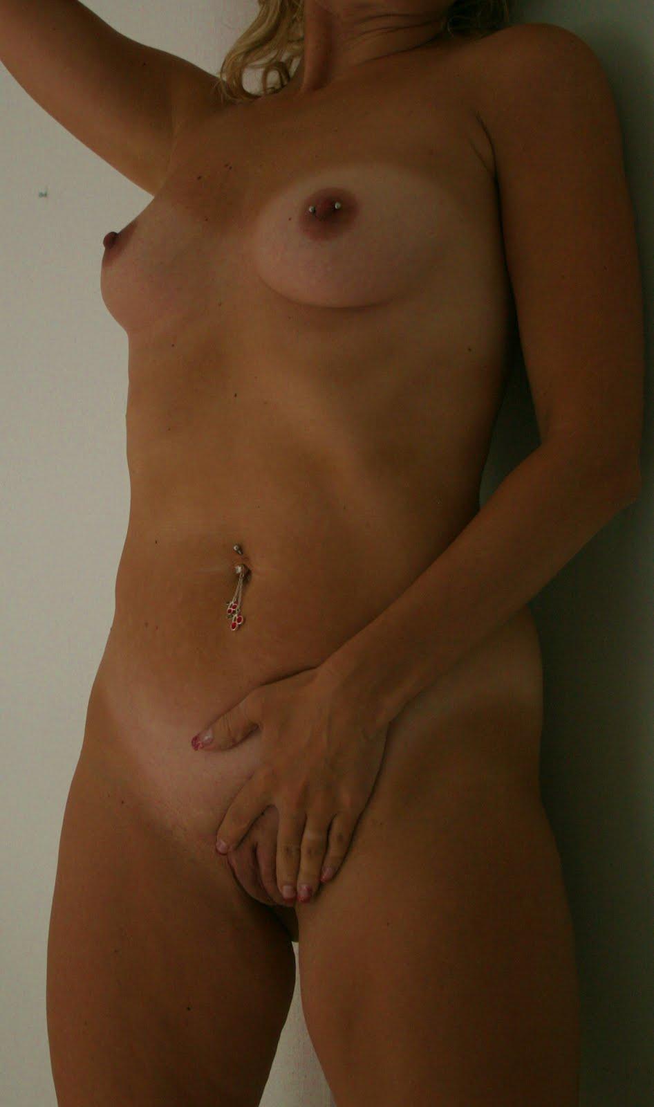 minanakenbilder naken i duschen