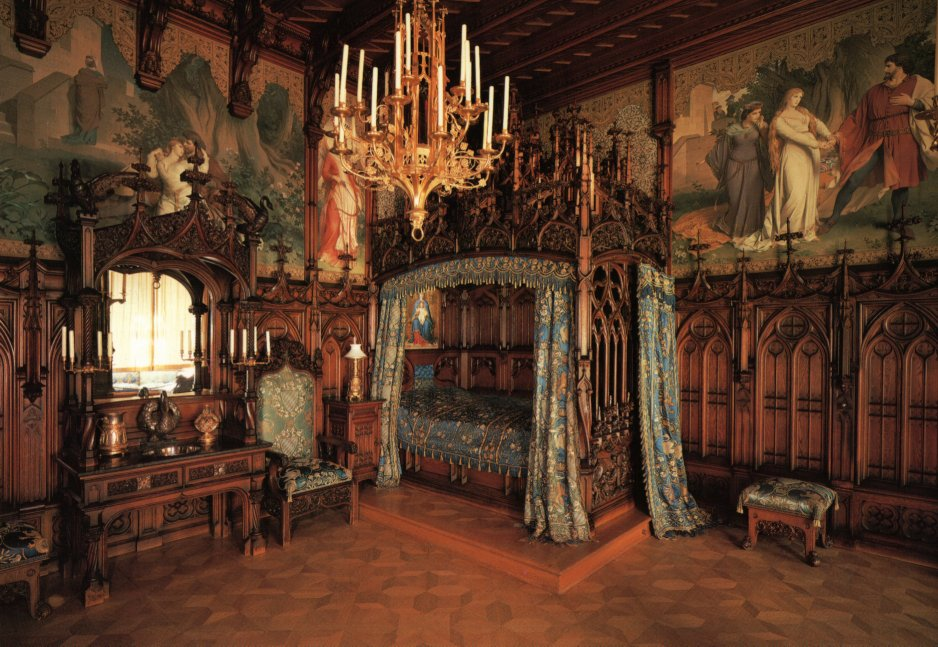 How to create a romantic canopy inspired headboard the decor - World Wondering Preview Neuschwanstein Castle
