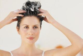 Cara Keramas yang Benar Agar Kulit Kepala Sehat