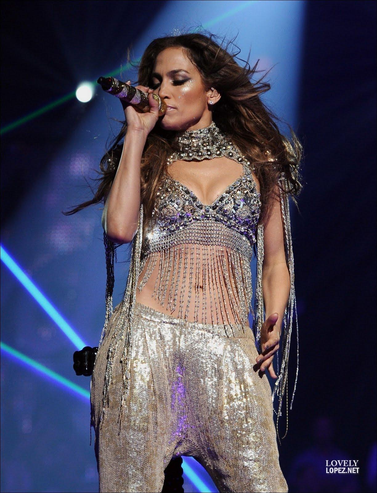 http://4.bp.blogspot.com/-opqj98lt7B0/TcVNgLmH01I/AAAAAAAALc8/oxP9yqn4P54/s1600/Jennifer-Performance-TV-American-Idol-May-5-2011-jennifer-lopez-21786584-1301-1700.jpg