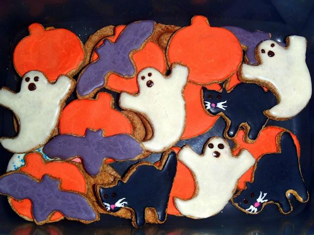Halloween dog cookies