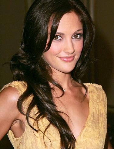 2011 Minka Kelly Long Hairstyle, Minka Kelly layered hairstyle, Minka Kelly 2011 pics
