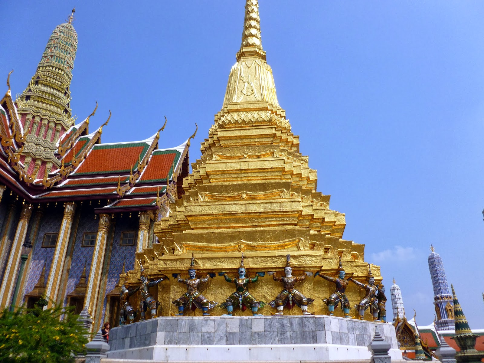 Wat Phra Kaeo: Temple of the Emerald Buddha  The Bachpacker