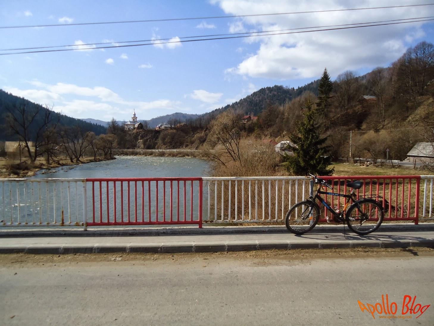 Bicicleta pe pod