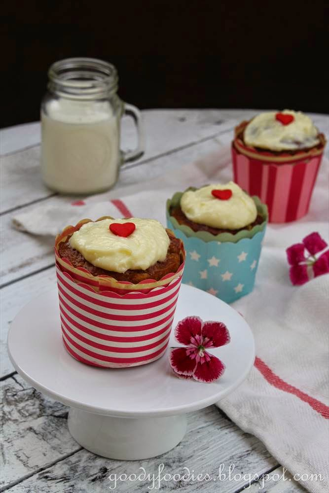 ... : Recipe: Carrot Cupcakes with Cream Cheese Icing (Nigella Lawson