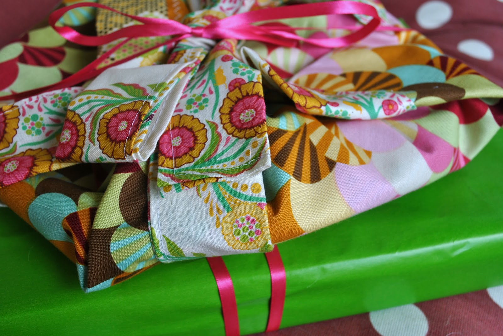 Wedding Shower Gift To Daughter : Bridal Shower A Mothers Wedding Gift To Her Daugh
