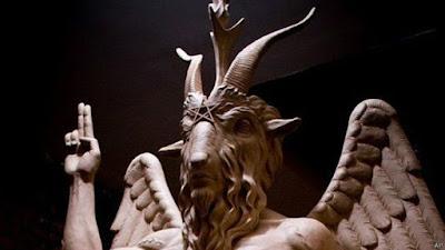Conheça os códigos ocultos na polêmica escultura de 'Templo Satânico' nos EUA