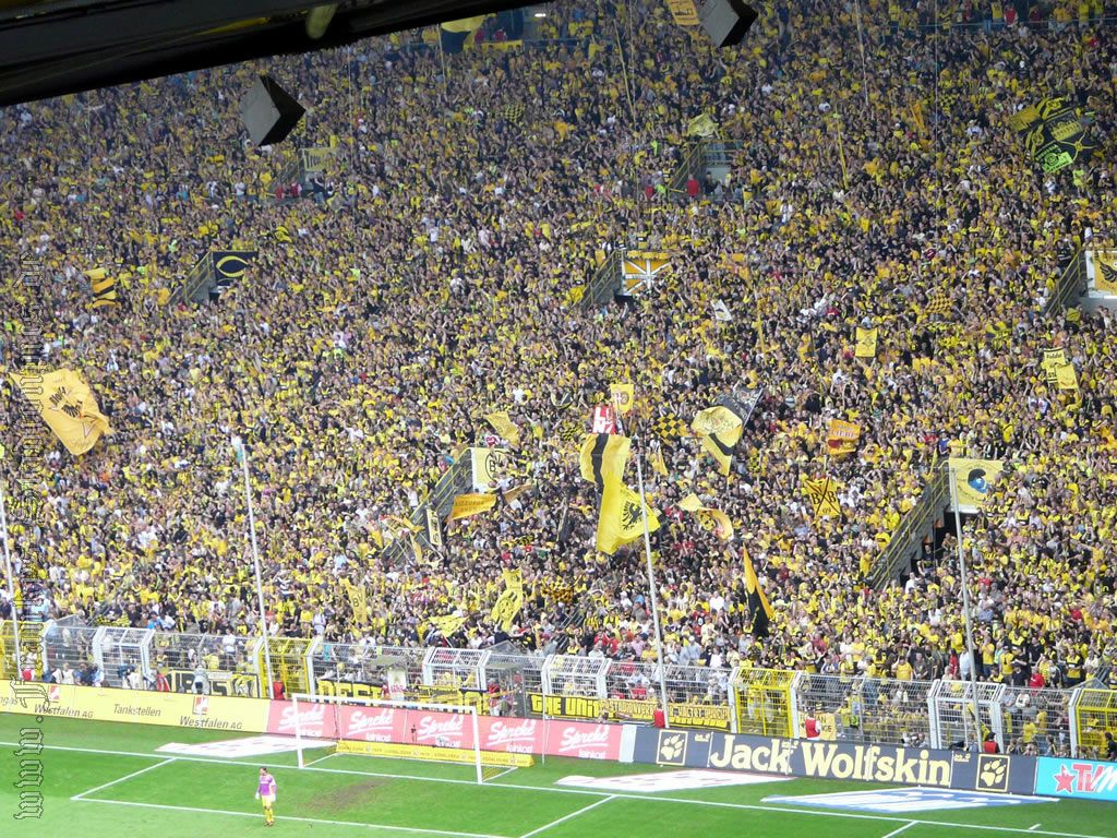 Dortmund+scored+Jersey+Record+Sales.jpg