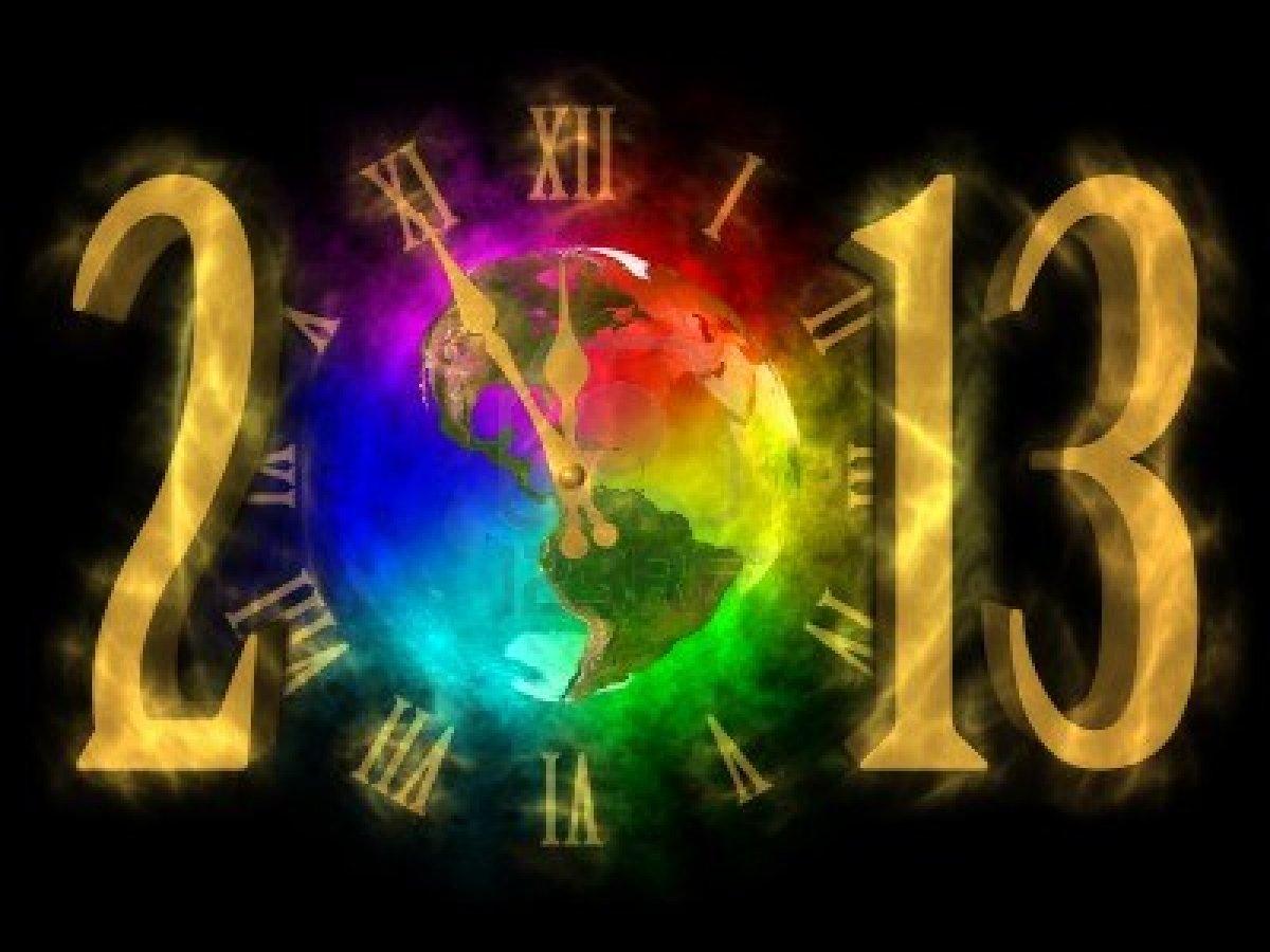 clock ticking towards new year to wish new year 2013