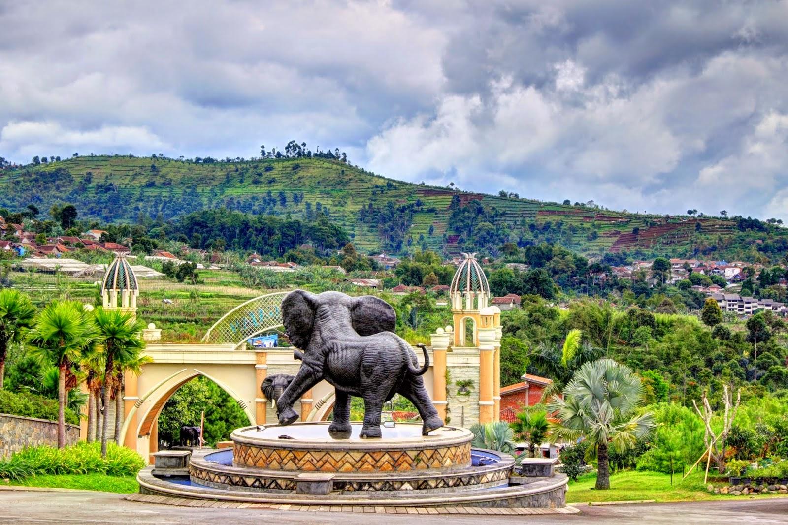 kampung gajah wonderland - bandung
