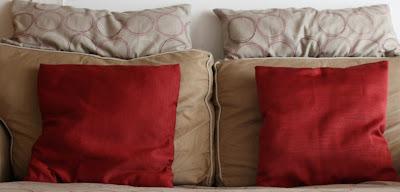 La casa della mamma rinnoviamo il divano cambiando le - Cuscini per divani design ...