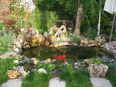 Arte y jardiner a estanques y jardines acu ticos for Piedras para estanques