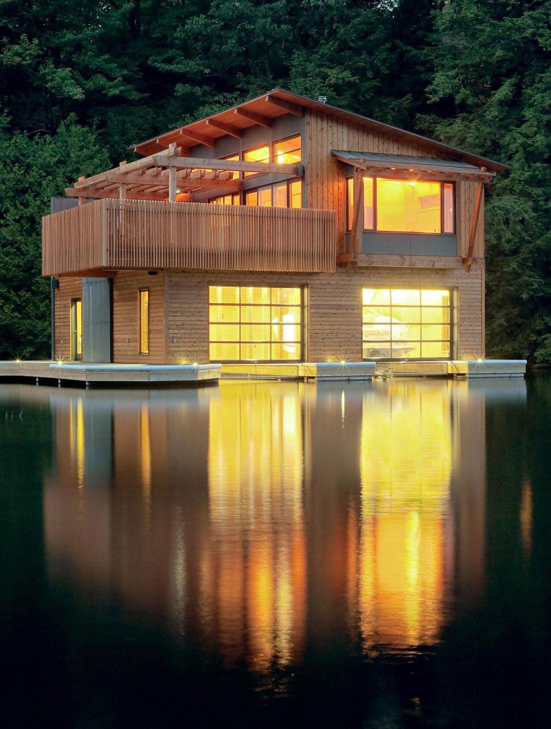 Wooden pergola as exterior design in small boathouse for Wooden house exterior design