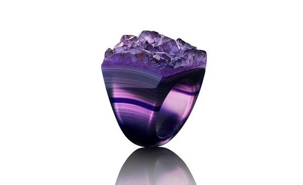 Diseño de anillo de cristal.