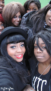 black gyaru, gyaru fashion, gyaru meet, chinatown, group shot,