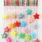 http://picapecosa.blogspot.com.es/2015/11/como-hacer-pinzas-ropa-cajas-papel-forma-estrellas-diy-reciclado-calendario-adviento.html