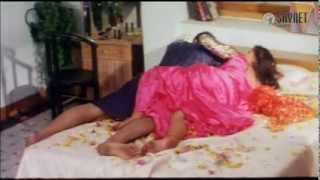 Very Hot Mallu Aunty Seducing Scene From Malayalam B Grade Movie