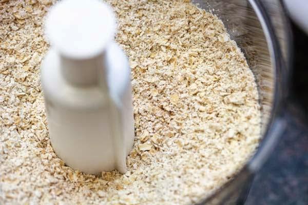 oats-in-food-processor