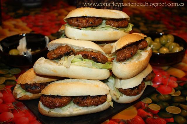 Minicrestas (hamburguesas especiadas)