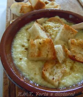 Prezganka: zuppa slovena di farina