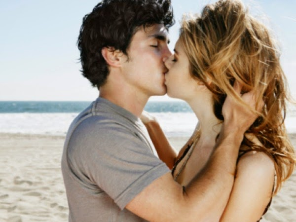 Cara Mencium Seorang Gadis