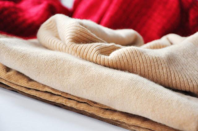 бежевый кашемировый свитер шалевый воротник