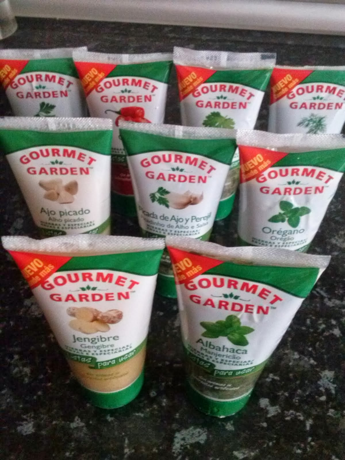 GOURMET GARDEN