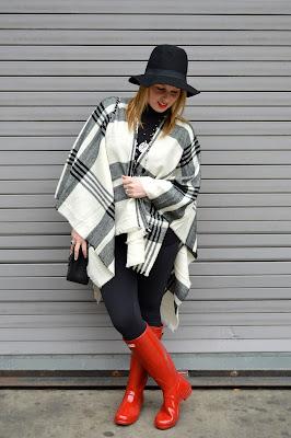 plaid-poncho-outfit