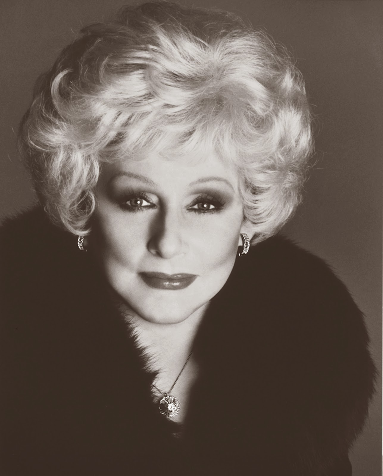 mary kay ash Mary kay ash was a famous american businesswoman and the founder of mary kay cosmetics, inc her strategy of the business was based on christian philosophy she asked her employees to give preference, first to god, then family and finally to work.