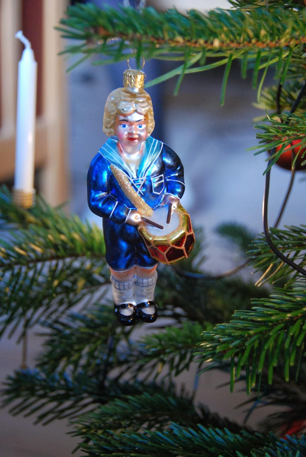 juletræets med sin pynt
