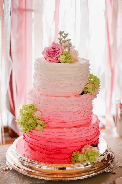 Simple wedding cake designs with flowers