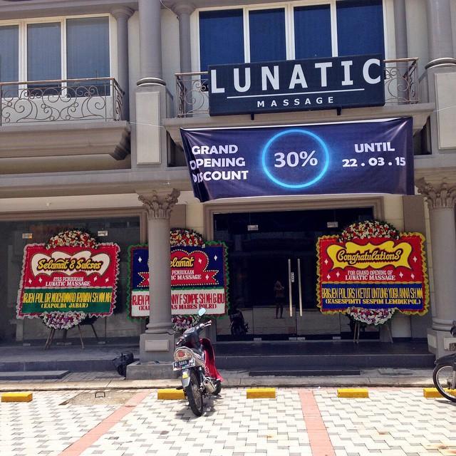 Ikea Indonesia Alam Sutera Tangerang: Lunatic Massage (Alam Sutera)
