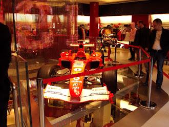 Loja Ferrari - Inglaterra