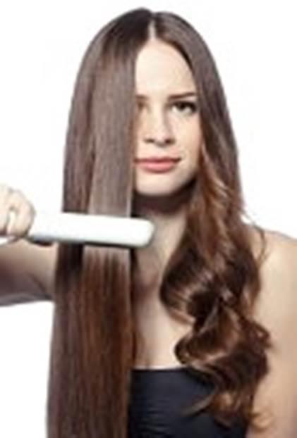Gambar merawat dan menyisir rambut panjang dan lurus