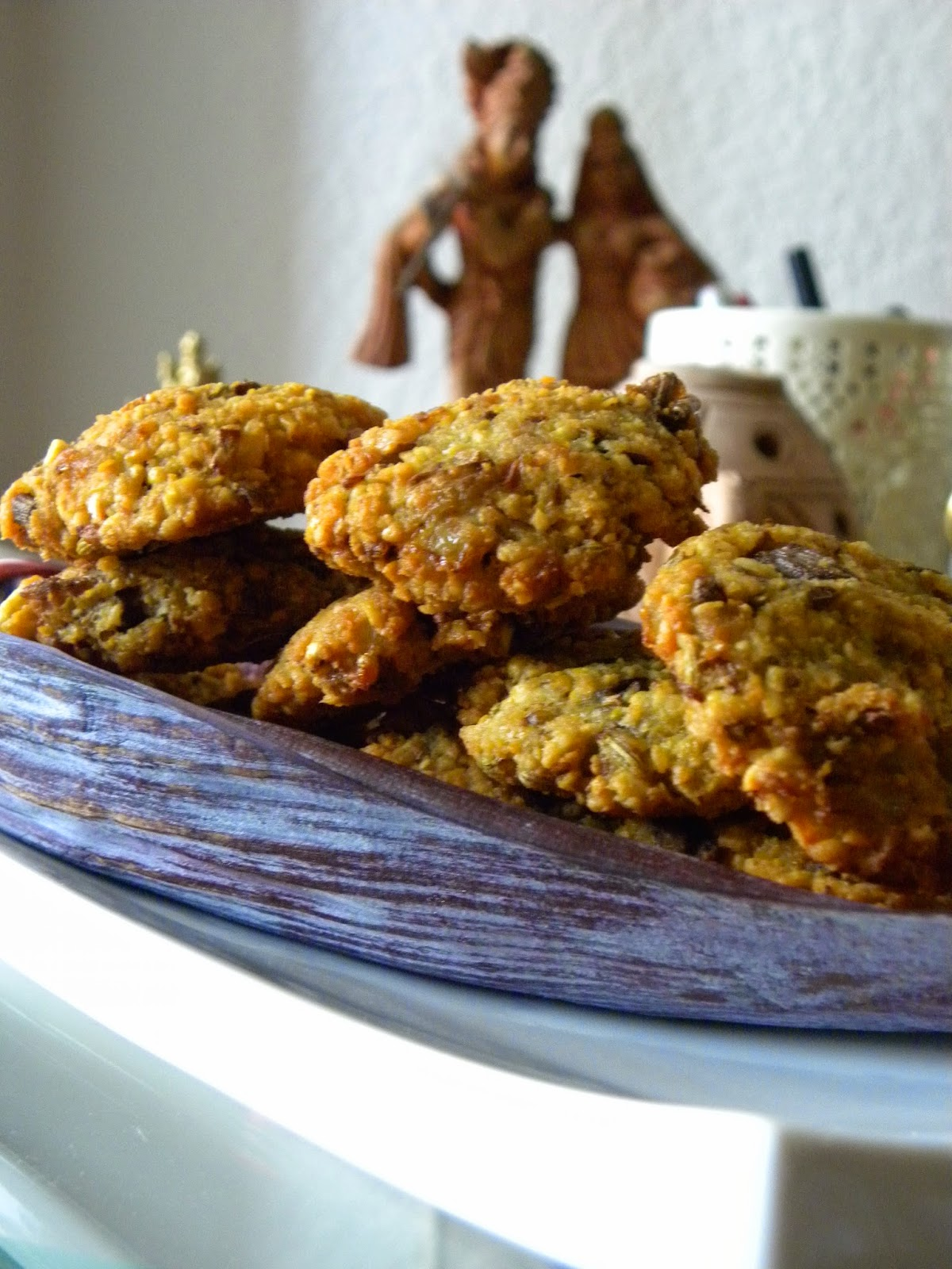 Deep fried lentil discs enriched with banana flower
