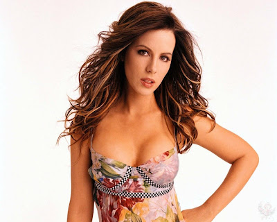 actress_kate_beckinsale_hot_wallpapers_in_bikini_fun_hungama-forsweetangels.blogspot.com