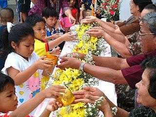 Songkran Festival 2019 : Mon Rak Luk Thung | D-PREP