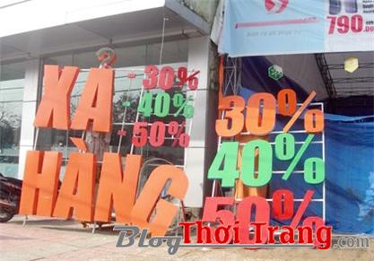 Các shop đua nhau giảm giá mùa Tết