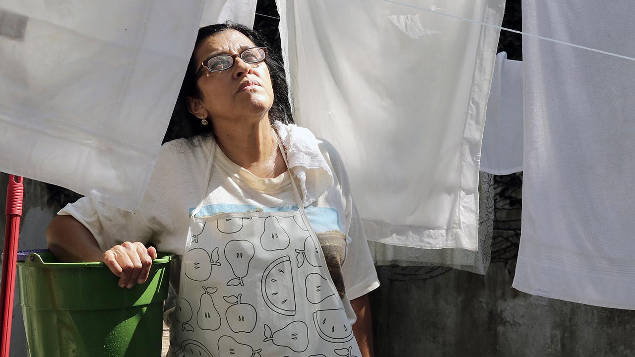 Regina Casé em cena do filme Que Horas Ela Volta - Um dos Favoritos ao Oscar 2016